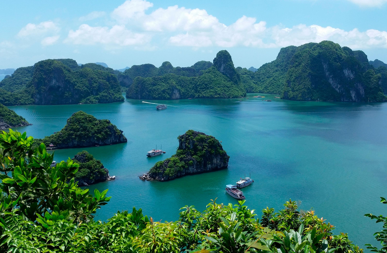 Blog Viajes Eurotrip Bidaiak: La Bahía de Halong, donde el dragón desciende al mar